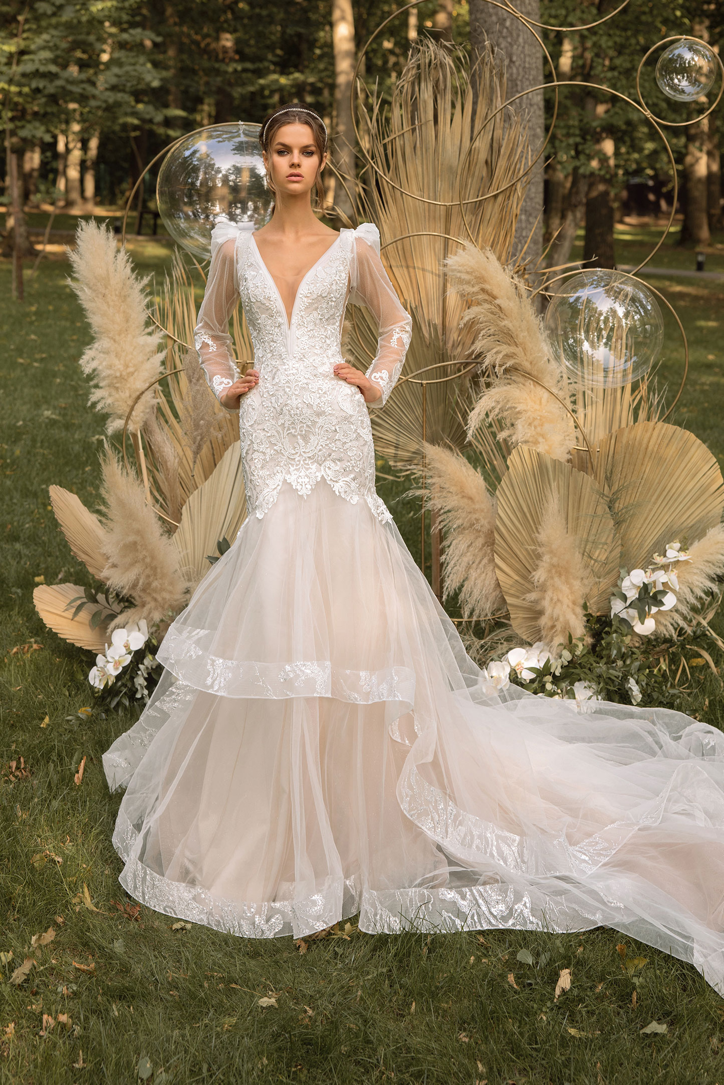 3d-floral-lace-wedding-dress