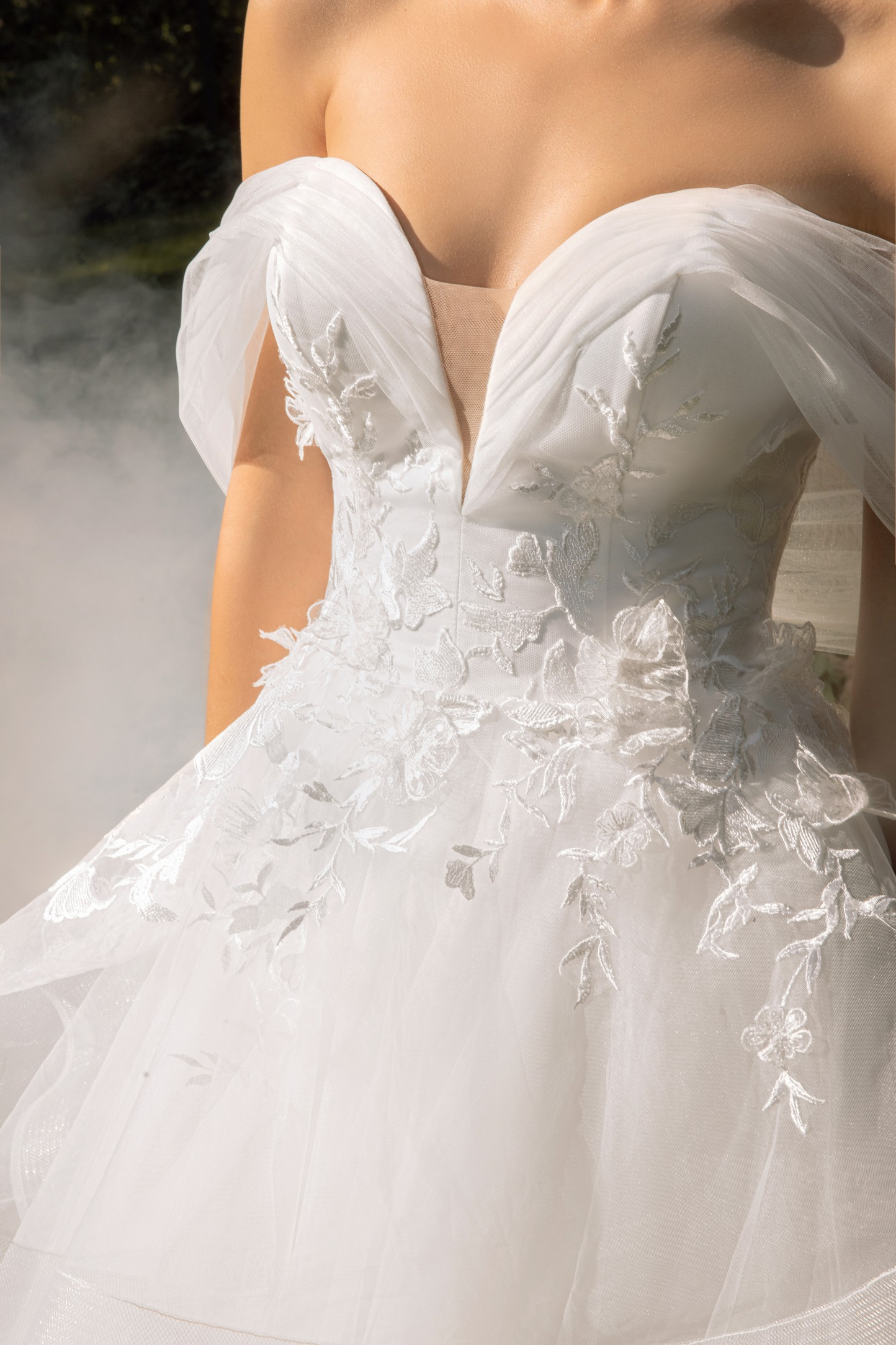 Clean Modern Ball Gown With Wide Straps And Bow_!