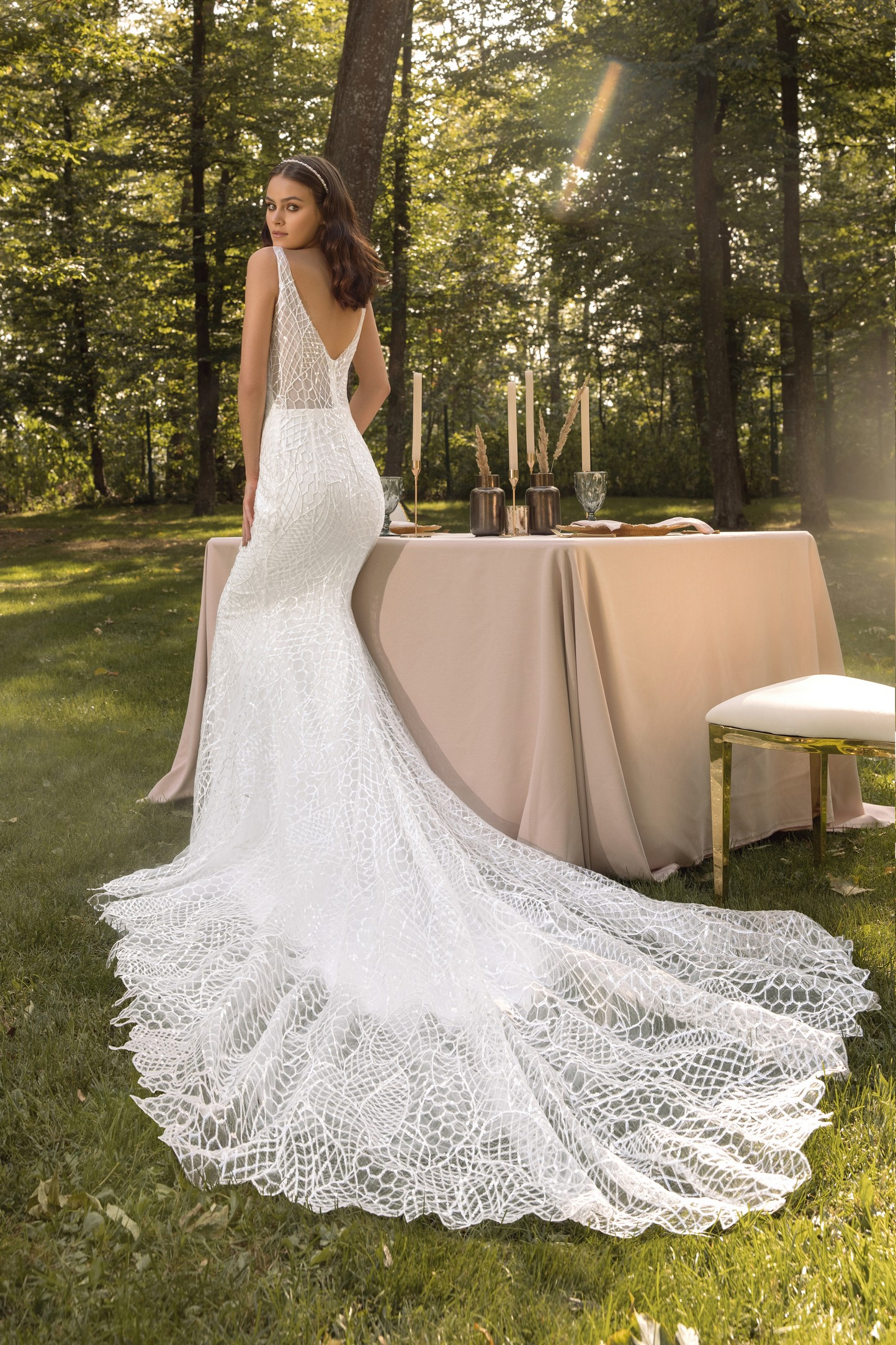 Garden-inspired Off The Shoulder Wedding Dress_2