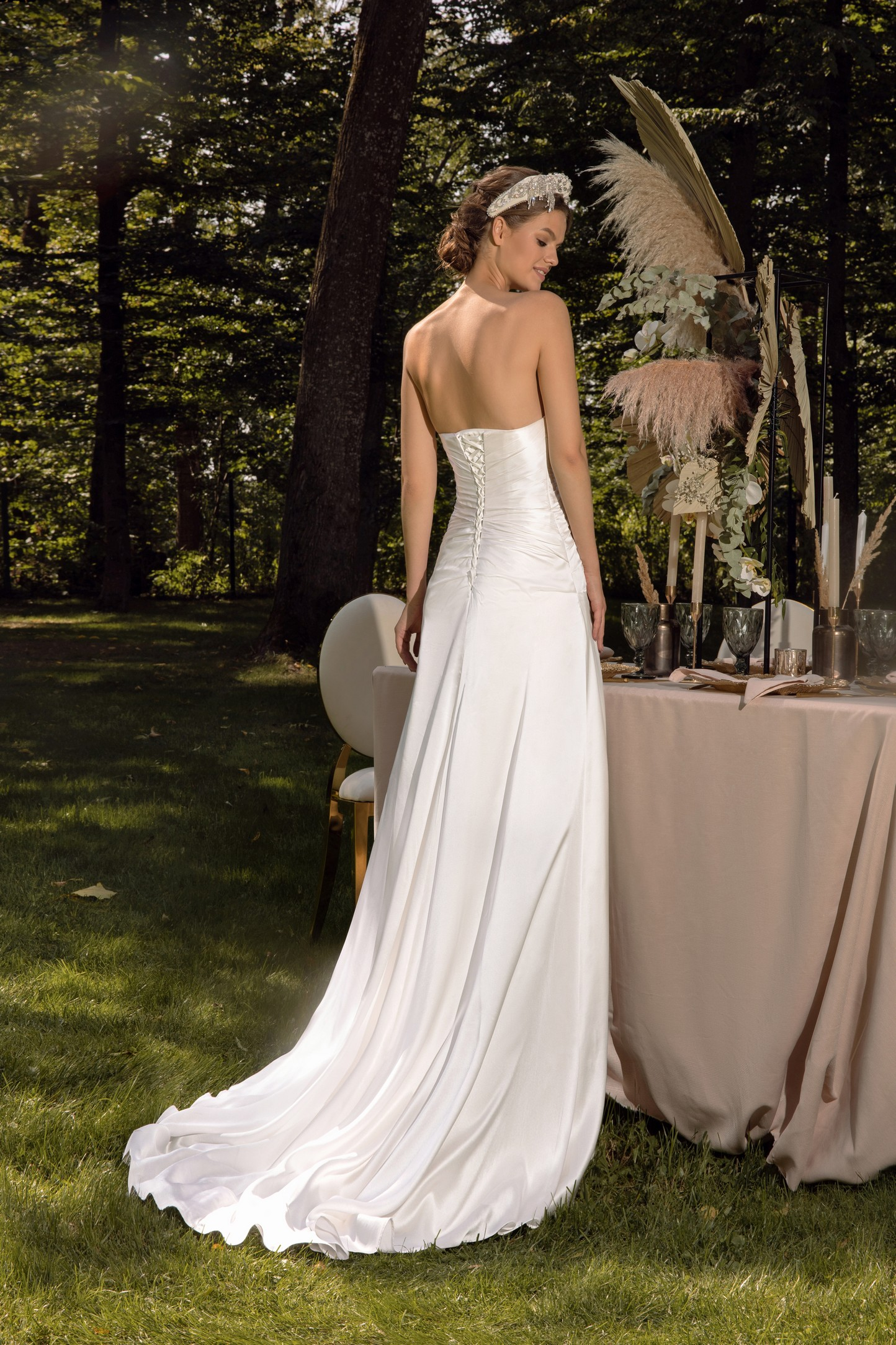 Lace A-line Wedding Dress With Long Sleeves_1