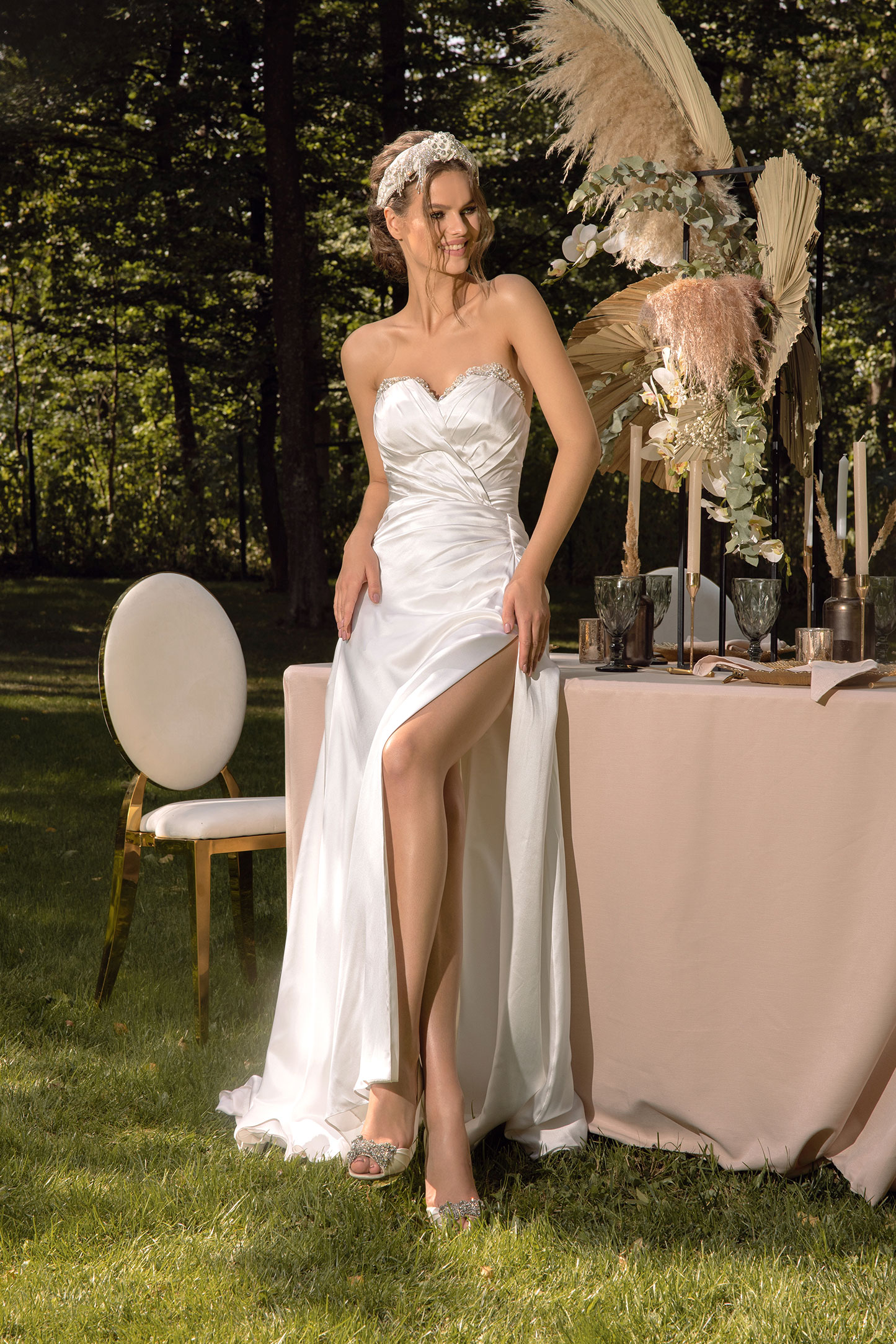 Lace A-line Wedding Dress With Long Sleeves_4